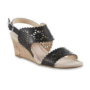 Attention womens new size 8M sandals black strap